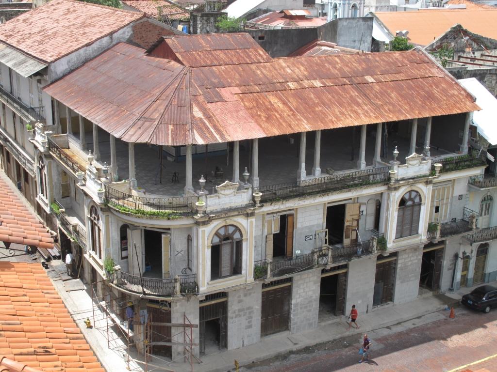 Avanza inversi n en el casco antiguo de panam arco for Oficina del casco antiguo