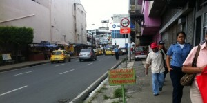 Bus stop to pick Ancon- Avenida B