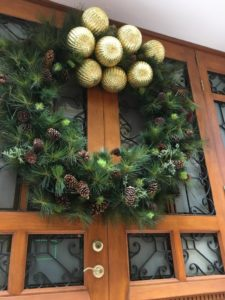 casco-antiguo-christmas-doors-2